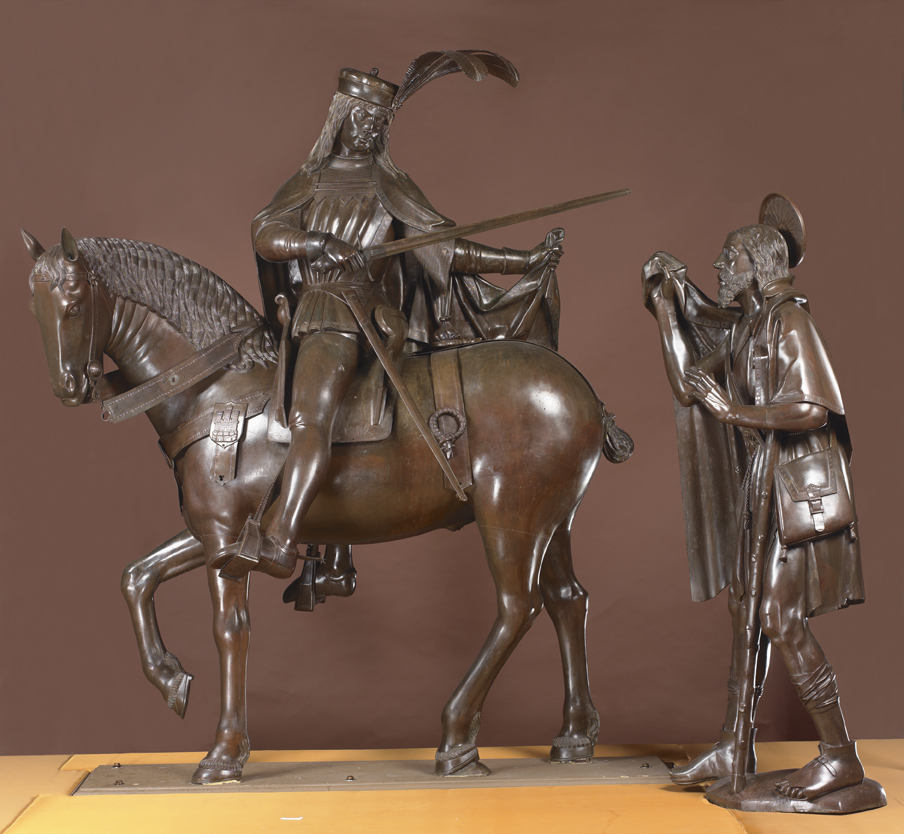 Escultura de San Martín entregando su capa a un pobre